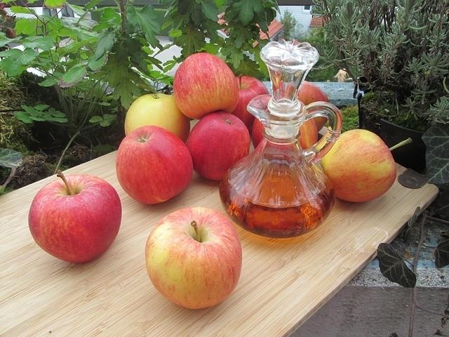 jablečný ocet - Domácí výživa pro růže. Je organická a efektivní