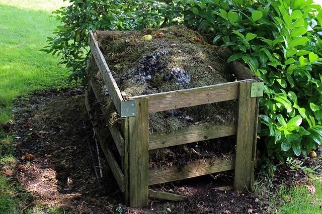 starý kompost - Tipy, jak si vyrobit domácí kompost. Opravdu se vyplatí