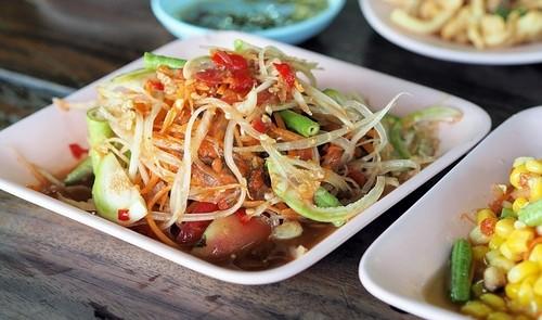 jídlo - Papája je nejen sušená pochoutka. Čerstvá se hodí do salátů, marmelád, kompotů a ovocných nápojů