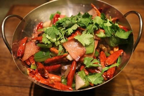pokrm z chilli - Máte rádi chilli papričky? Jak vlastně působí na váš organismus