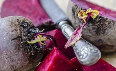 repa - Červená řepa – proč ji vařit se zbytky listů?
