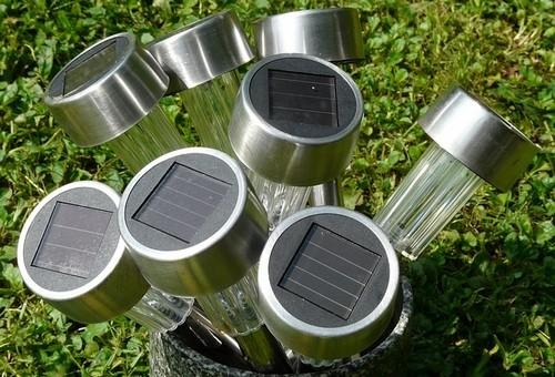 světla - Solární osvětlení na zahradě. Odpověď na otázku, zda osvětlení škodí rostlinám