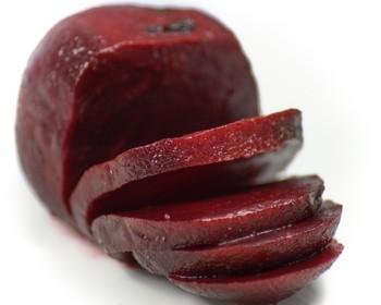 cervená řepa - Pikantní salát z červené řepy. Jarní vitamínová bomba