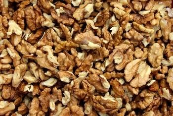 vlašské ořechy - Kynuté šneky s náplní z vlašských ořechů