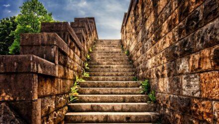 schody kamenné