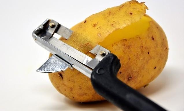 brambor - Jak využít brambory? Hodit se vám budou na zahradě i v domácnosti