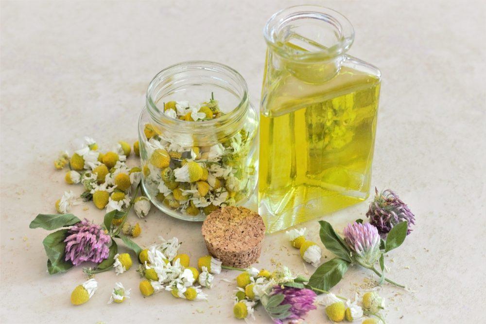 hermanek olej - Heřmánková kosmetika: Nekupujte v obchodech, vyrábějte si ji doma