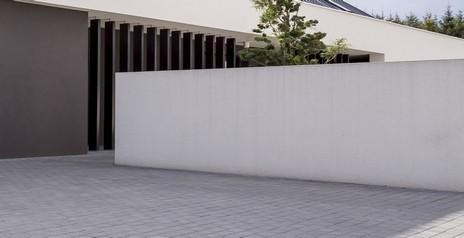 betonovy plot - Řešíte plot kolem pozemku? Jaké jsou možnosti