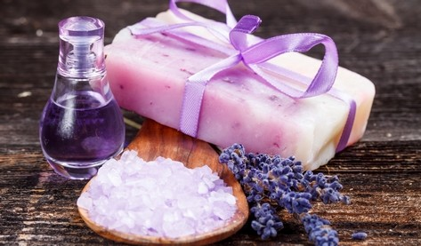levandule mydlo - Antibakteriální gel jen z toho, co najdete na zahrádce