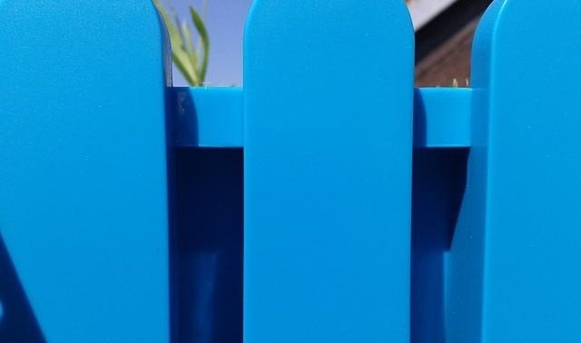 plastovy plot - Řešíte plot kolem pozemku? Jaké jsou možnosti