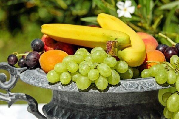ovoce 1 600x399 - Několik snadných kroků, díky nimž se zbavíte octomilek