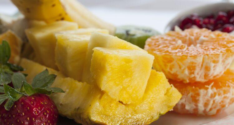 ovoce ananas