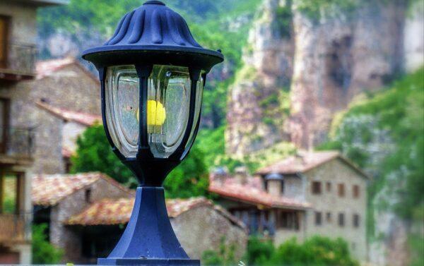 osvetleni 600x377 - Zahrada se probouzí: Čas strávený na ní vám prodlouží vhodně vybrané osvětlení